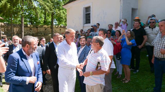 """Klaus Iohannis s-a întâlnit cu Gheorghe Hagi la Festivalul """"Săptămâna Haferland"""" din Brașov GALERIE FOTO - Imaginea 5"""