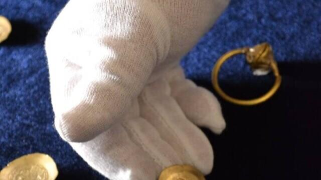 Un pasionat de istorie a descoperit o comoară cu detectorul de metale, în Prahova. GALERIE FOTO - Imaginea 2