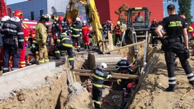 Un mal de pământ s-a prăbușit peste mai mulți muncitori pe un șantier din Capitală. Doi oameni au murit - Imaginea 4