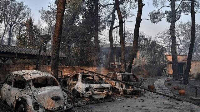 """""""Aerul era irespirabil, am crezut că murim cu uşile închise"""". Mărturia unei românce din Atena, devastată de incendii - Imaginea 1"""