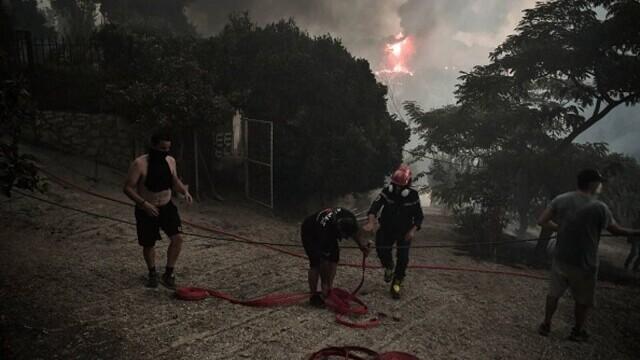 """""""Aerul era irespirabil, am crezut că murim cu uşile închise"""". Mărturia unei românce din Atena, devastată de incendii - Imaginea 3"""