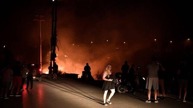 """""""Aerul era irespirabil, am crezut că murim cu uşile închise"""". Mărturia unei românce din Atena, devastată de incendii - Imaginea 4"""