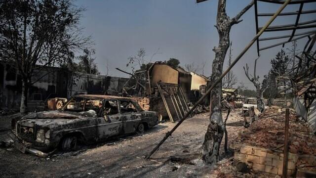 """""""Aerul era irespirabil, am crezut că murim cu uşile închise"""". Mărturia unei românce din Atena, devastată de incendii - Imaginea 5"""