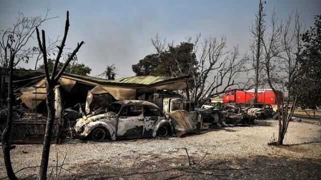 """""""Aerul era irespirabil, am crezut că murim cu uşile închise"""". Mărturia unei românce din Atena, devastată de incendii - Imaginea 6"""
