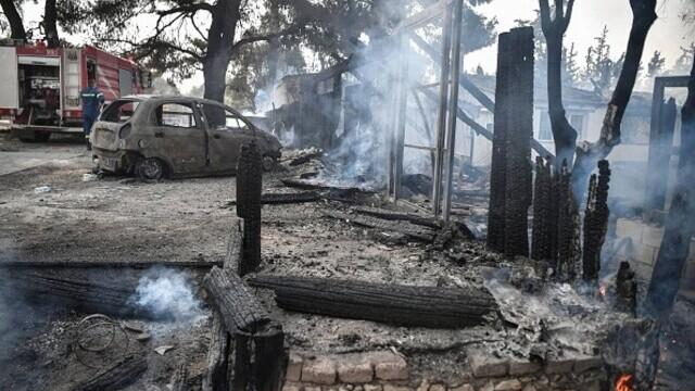 """""""Aerul era irespirabil, am crezut că murim cu uşile închise"""". Mărturia unei românce din Atena, devastată de incendii - Imaginea 7"""