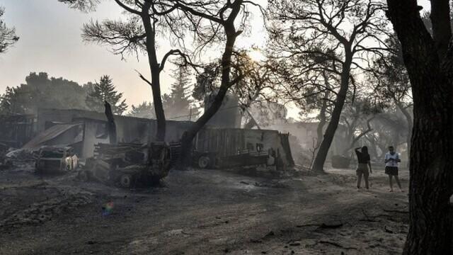"""""""Aerul era irespirabil, am crezut că murim cu uşile închise"""". Mărturia unei românce din Atena, devastată de incendii - Imaginea 9"""