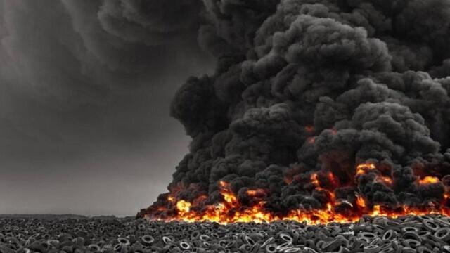 Video. Cel mai mare depozit de anvelope uzate din lume a luat foc - Imaginea 4