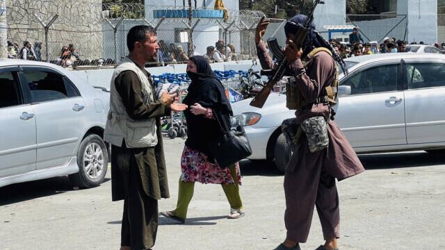 Talibanii sărbătoresc plecarea trupelor americane din Afganistan, sfârşitul unui război devastator de 20 de ani - Imaginea 9