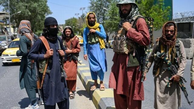 Talibanii sărbătoresc plecarea trupelor americane din Afganistan, sfârşitul unui război devastator de 20 de ani - Imaginea 5