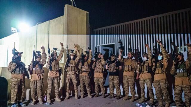 Talibanii sărbătoresc plecarea trupelor americane din Afganistan, sfârşitul unui război devastator de 20 de ani - Imaginea 1