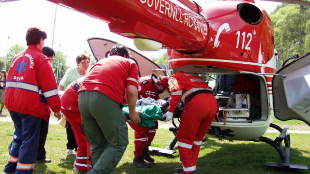 Copilul a fost transportat cu elicopterul