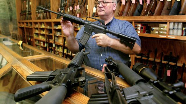 Proprietarii de arme nu au de ce sa se teama, ii linisteste Obama