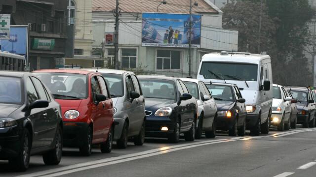 Atentie! Se circula bara la bara pe DN1, spre Valea Prahovei
