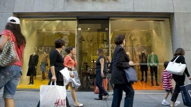 Nici luxul nu mai e ce-a fost! Reduceri uriase pe Fifth Avenue!