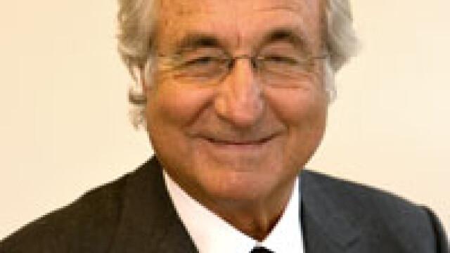 Inca o victima a lui Bernand Madoff: nevoit sa se angajeze la 90 de ani