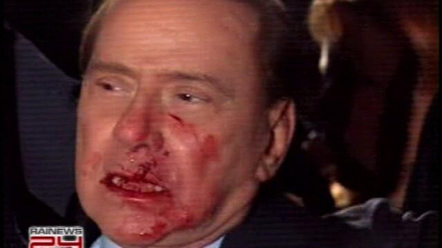 Silvio Berlusconi, lovit