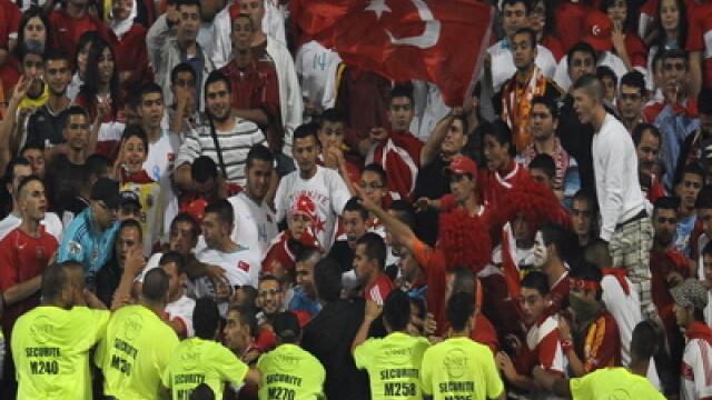 200 de ranti intr-o bataie generala pe un stadion din Amman