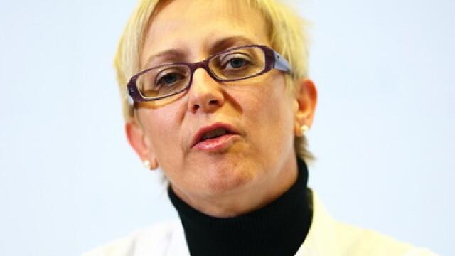 Medicul neurolog Bettina Pfausler, care il trateaza pe Serban Huidu