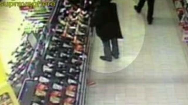 VIDEO. Probabil primul neamt prins la furat in Romania. A dat lovitura intr-un magazin din Capitala