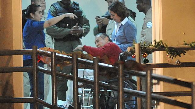 Dupa 22 de ani. In conditii de MAXIMA SECURITATE, fostul dictator Manuel Noriega s-a intors acasa - Imaginea 1