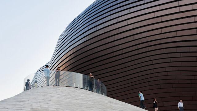 China uimeste din nou. Constructia bizara si costisitoare ridicata intr-un oras pustiu. Galerie FOTO - Imaginea 3