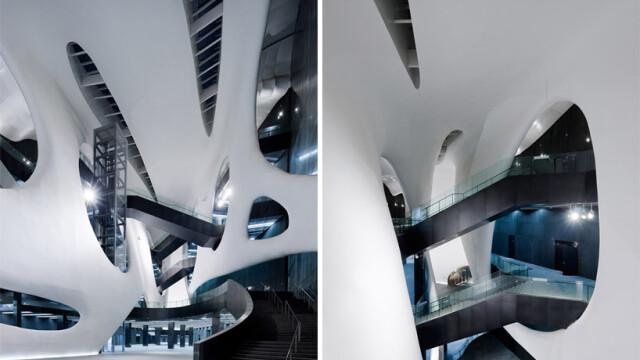 China uimeste din nou. Constructia bizara si costisitoare ridicata intr-un oras pustiu. Galerie FOTO - Imaginea 12