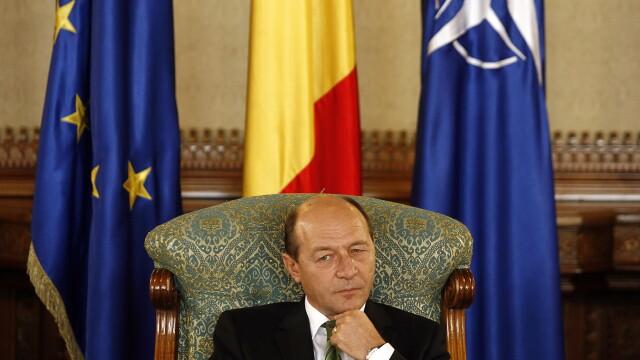 Traian Basescu vrea sa angajeze trei consilieri tineri. Care este principala cerinta a presedintelui