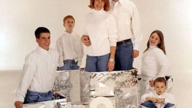 GALERIE FOTO: Sa nu faci asa ceva de Craciun. Cele mai jenante fotografii de familie - Imaginea 3