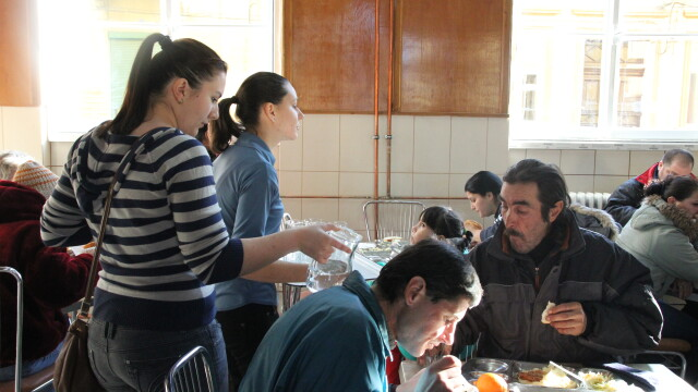 masa caritabila pentru nevoiasi
