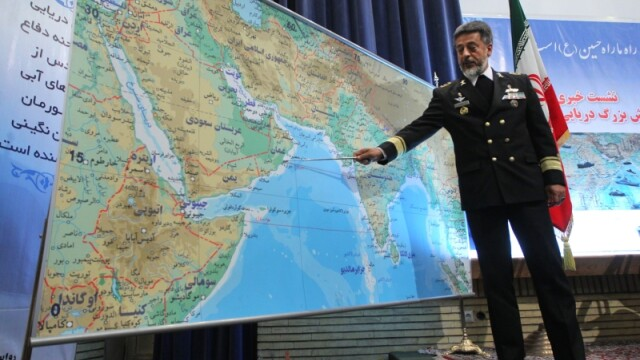 Iranul ameninta ca va bloca transportul de petrol in Golful Persic. SUA raspunde agresiv