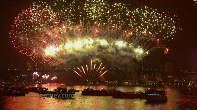 Adio, 2011, bun venit, 2012! Spectacolul de Revelion de pe diferite continente, in imagini uimitoare - Imaginea 1