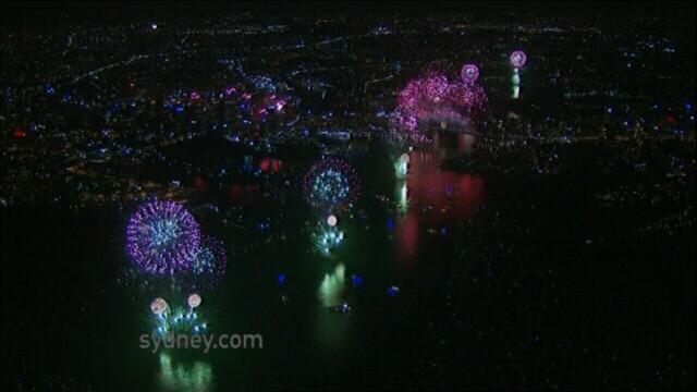 Adio, 2011, bun venit, 2012! Spectacolul de Revelion de pe diferite continente, in imagini uimitoare - Imaginea 2