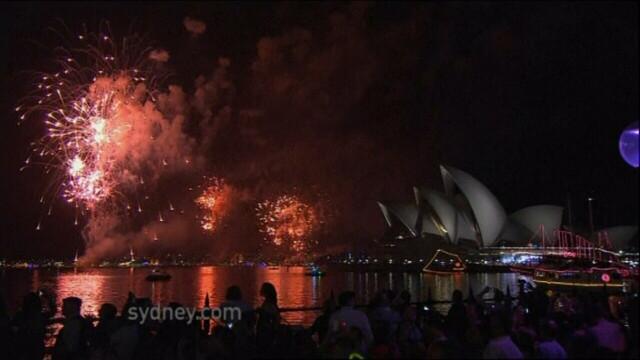 Adio, 2011, bun venit, 2012! Spectacolul de Revelion de pe diferite continente, in imagini uimitoare - Imaginea 3