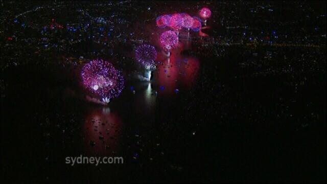 Adio, 2011, bun venit, 2012! Spectacolul de Revelion de pe diferite continente, in imagini uimitoare - Imaginea 4