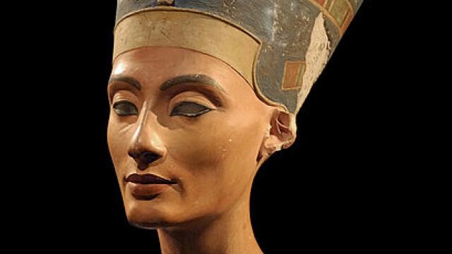 bustul reginei Nefertiti