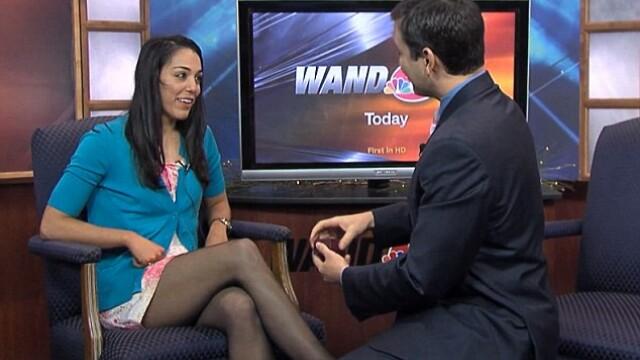 Un jurnalist din SUA si-a surprins iubita, cerand-o de casatorie in timpul unei emisiuni. VIDEO