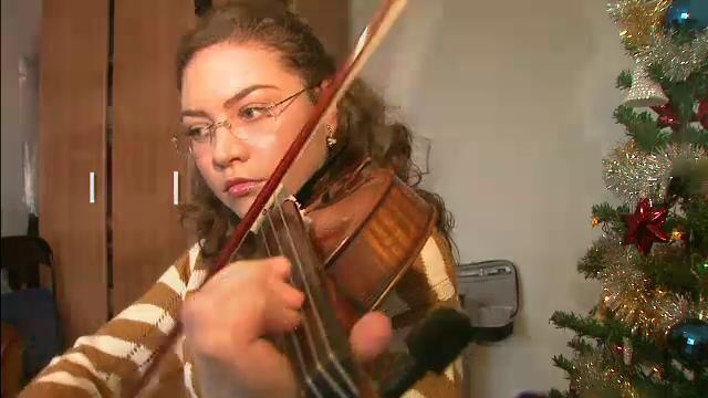 Povestea Vivianei Vlas, o fata care studiaza vioara de 15 ani, dar nu-si permite sa si-o cumpere