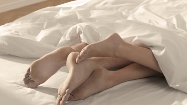Studiu: Un televizor in dormitor este metoda simpla prin care ne putem condimenta viata amoroasa