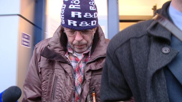 Un barbat a fost prins in flagrant in timp ce incerca sa obtina un credit cu un cupon de pensie fals