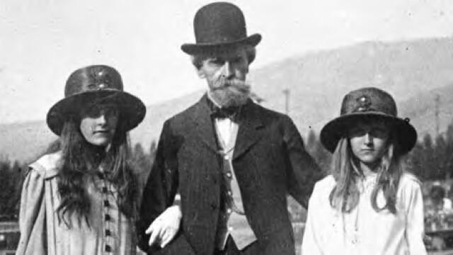 Huguette Clark cu tatal si sora ei