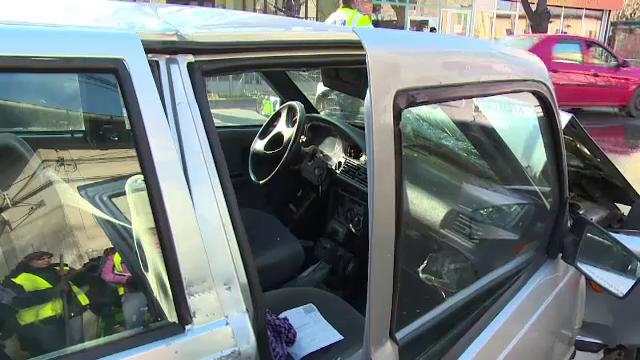 Accident cu multe necunoscute in Pitesti. Politia nu a gasit pe nimeni pe locul soferului