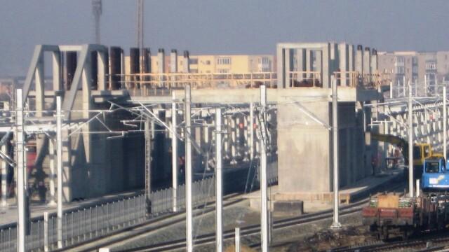Se lucreaza in ritm de melc la noua pasarela din Gara Arad. Termenul limita nu poate fi respectat - Imaginea 4