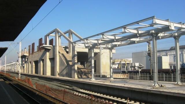 Se lucreaza in ritm de melc la noua pasarela din Gara Arad. Termenul limita nu poate fi respectat - Imaginea 5
