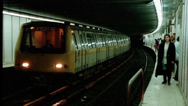 Persoana care s-a aruncat in fata metroului, la statia Piata Romana, dusa la Spitalul Floreasca