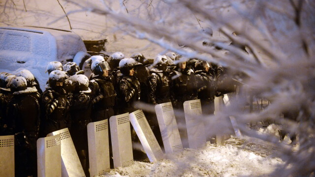 Euromaidan, revolutia care si-a luat numele de la un hashtag de pe internet. Momentele cheie ale celor 3 luni de revolte - Imaginea 5