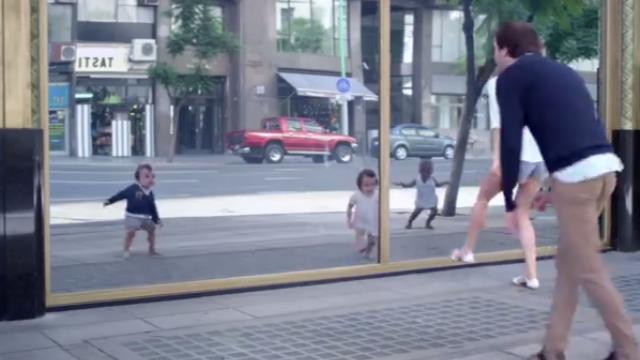 Cea mai viralizata reclama din 2013. Danseaza cu copilul din tine