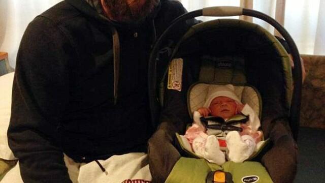 Povestea emotionanta a copilului care s-a nascut la 4 luni dupa ce mama sa a murit - Imaginea 1