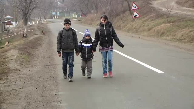 Gestul facut de Gigi Becali din puscarie catre cei trei copii din Vaslui prezentati la StirileProTV