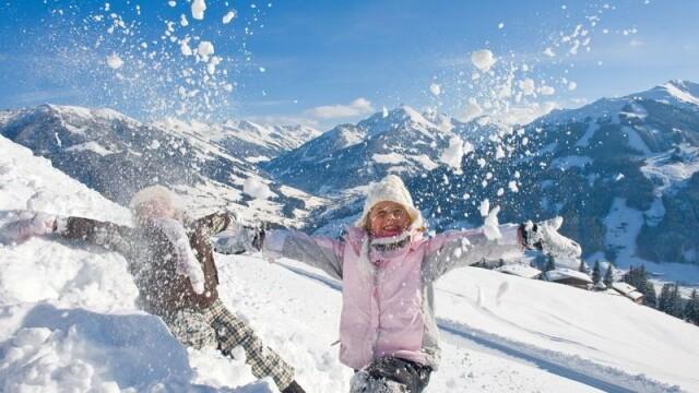 Cele mai bune statiuni de schi pentru familii. In Avoriaz, esti dus la hotel cu sania trasa de cai