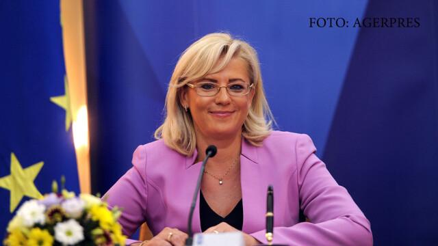 POLITICO: Corina Cretu nu merge la sedintele CE si fumeaza in birou. Cum raspunde comisarul european la acuzatii